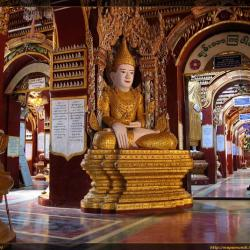 Recorriendo la Pagoda Thanboddhay en Monywa (Myanmar)