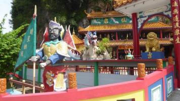 Los templos en cuevas de Ipoh