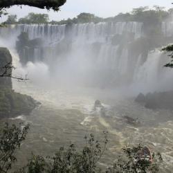 Iguazú: Como el agua que cae