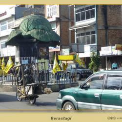 Monumento a la coliflor en Berastagi, Sumatra – Indonesia