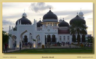 Banda Aceh de noche, Banda Aceh de dia