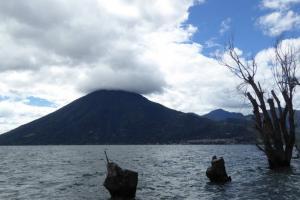 Entre volcanes, de San Marcos a Jaibalito